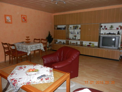 large spacious room with 25m ²
