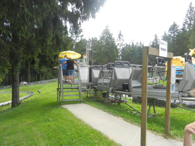 Chairlift guided on rails